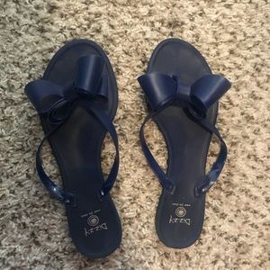 Dizzy Sandals with bow